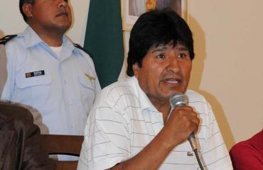 Presidente Morales propone demanda contra Obama