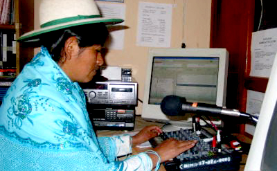 Resultado de imagen para radios de bolivia por pueblos originarios